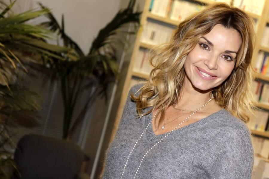 """Ingrid Chauvin, à la dédicace de son nouveau livre-CD """"Le vilain petit canard"""" de la collection """"Les contes d'Ingrid Chauvin"""", le 23 novembre 2018, à Paris."""