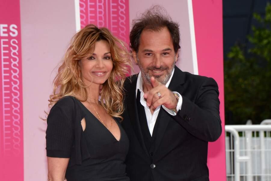 """Ingrid Chauvin et son mari Thierry Peythieu lors du festival """"Canneseries"""" à Cannes, le 8 avril 2018."""