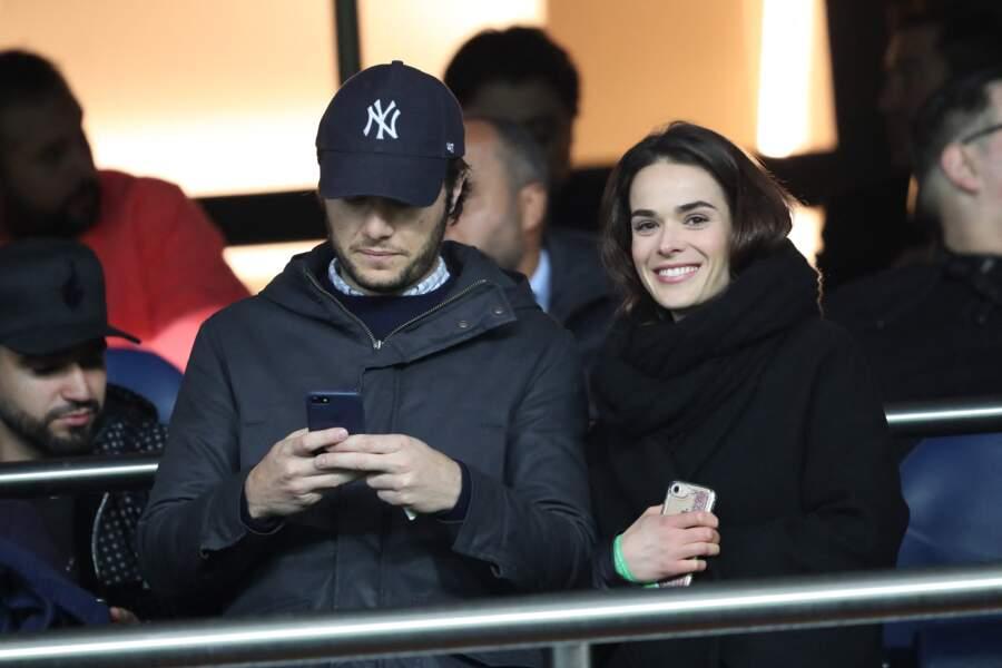 Vianney et sa compagne Catherine Robert dans les tribunes du parc des Princes, le 6 mars 2019.