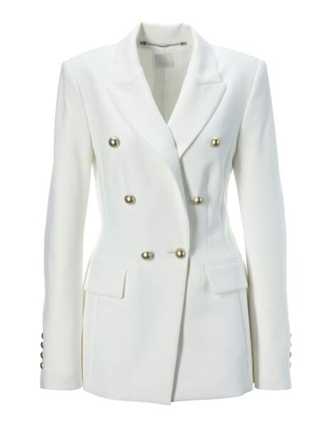 Veste robe, 235€, Madeleine