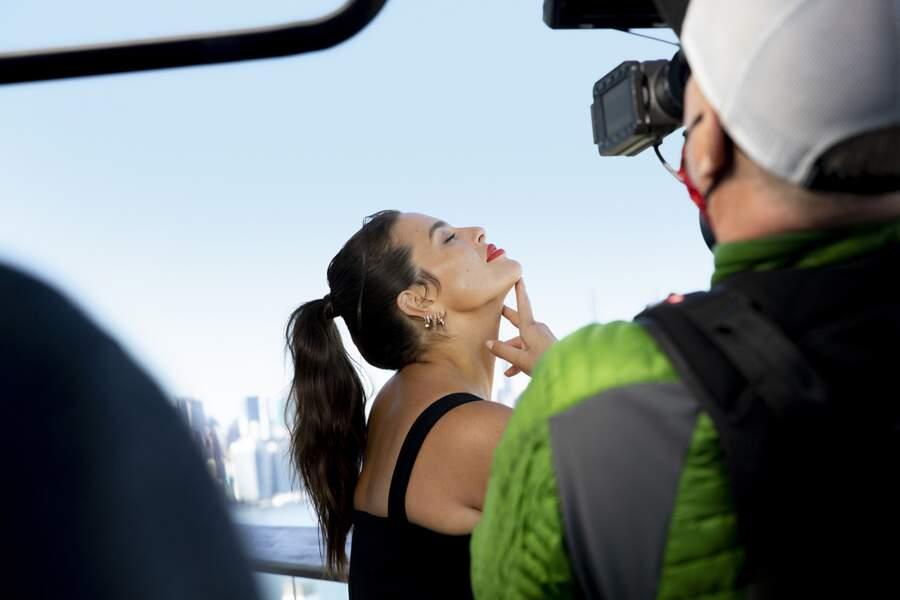 Ashley Graham, une jeune femme et maman de 33 ans, devenue un modèle et symbole d'une autre vision de la beauté.