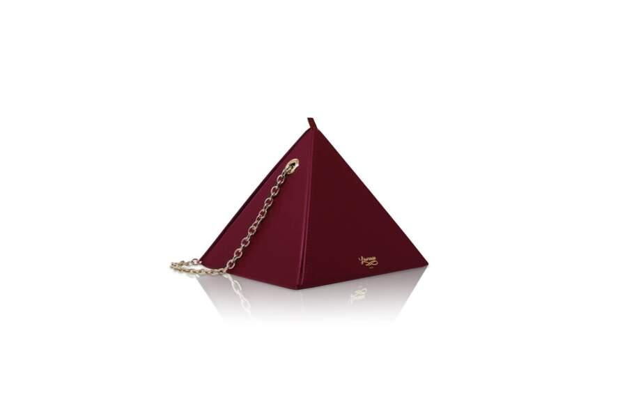 Sac pyramide, 390€, Louvreuse