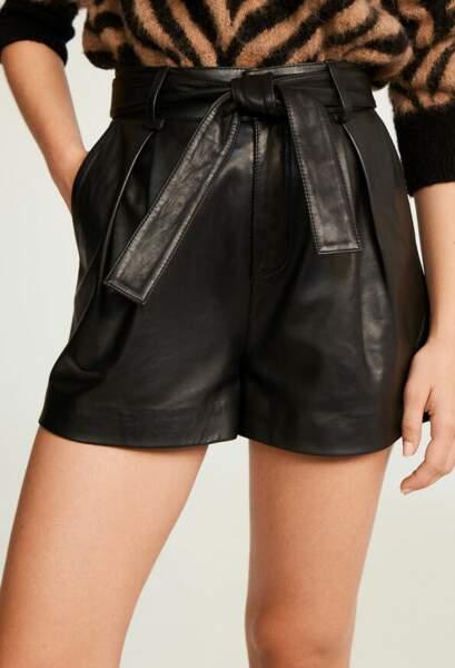 Short en cuir noir - Claudie Pierlot, 285€