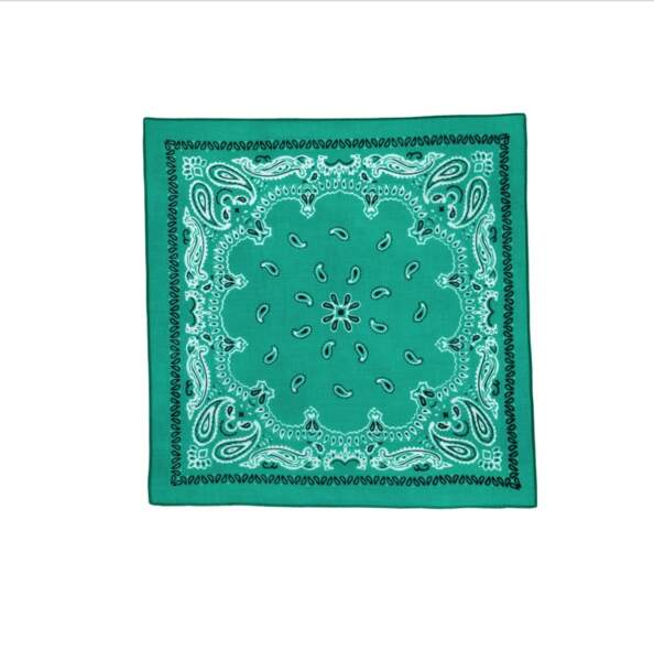 Bandana en coton biologique, 10€,    par Galeries Lafayette label Go for Good