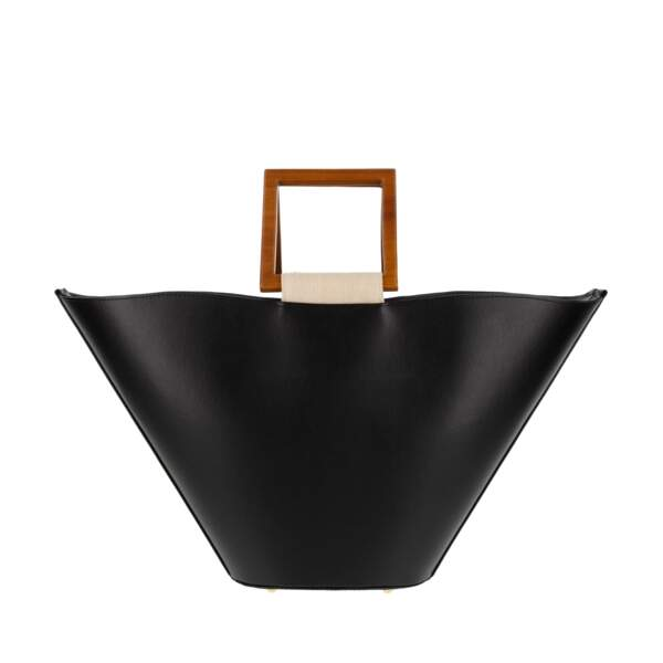 "Sac ""Pénélope"" noir, disponible aux Galeries Lafayette, 505€, Mashu label Go for Good"