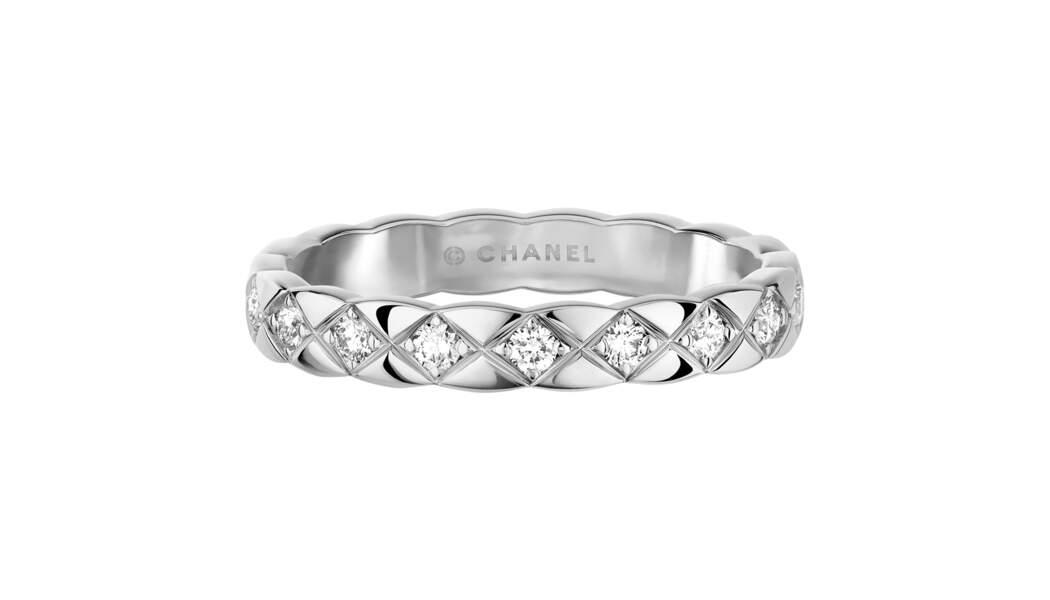 Alliance en or et Diamants, 3 150 €, Chanel Joaillier.