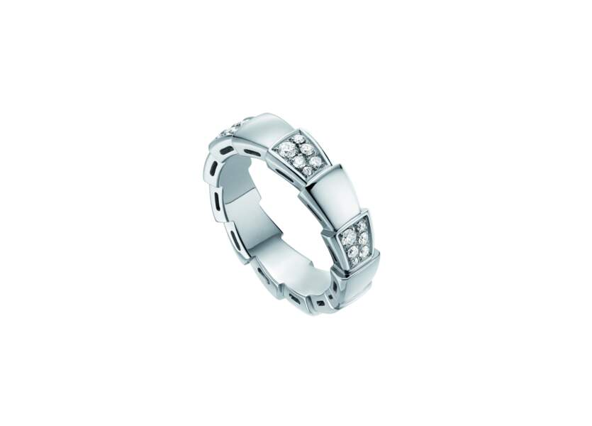 Alliance en or et diamants, 4370 €, Bulgari.