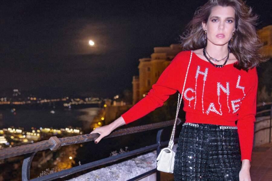 La campagne de la collection de prêt-à-porter printemps-été 2021 de Chanel a été shootée à Monaco et notamment à la Vigie, ancienne demeure de Karl Lagerfeld... et lieu des festivités du mariage de Charlotte Casiraghi et Dimitri Rassam.