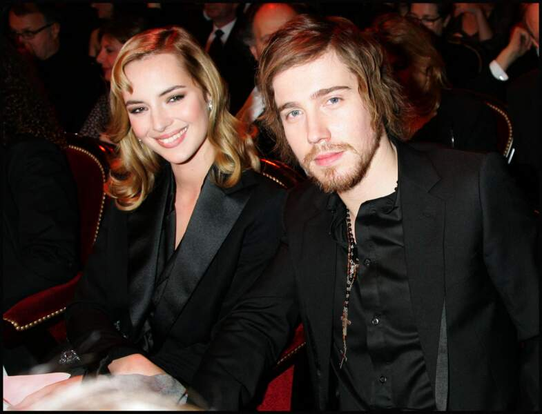 Julien Doré et Louise Bourgoin lors de la 33ème cérémonie des César en février 2008, au théâtre du Châtelet à Paris.