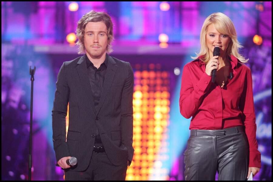 Julien Doré et Virginie Efira, lors d'un prime de l'émission Nouvelle Star, en 2007, au Pavillon Baltard.