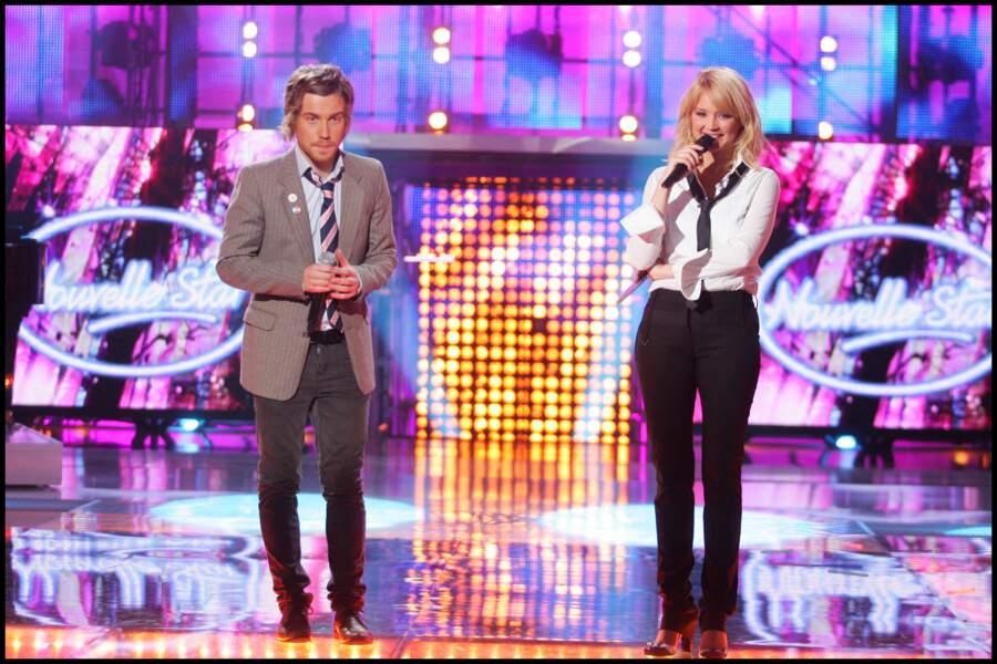 Julien Doré et Virginie Efira, lors d'un autre prime de l'émission Nouvelle Star, en avril 2007, au Pavillon Baltard, à Nogent-sur-Marne.
