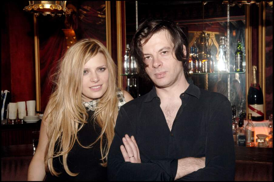 Élodie Frégé et Benjamin Biolay à la soirée Saint-Tropez des Prés le 28 juin 2006