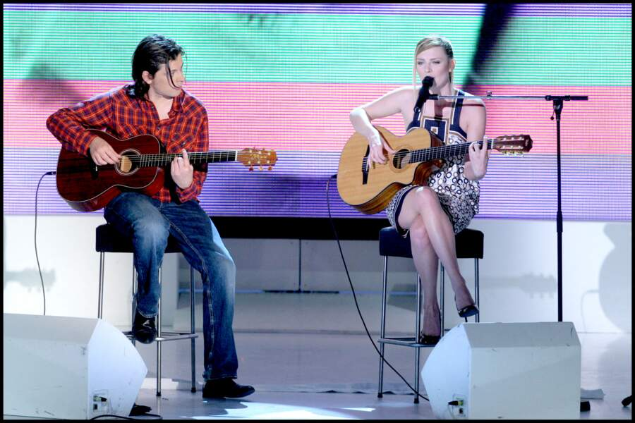 Benjamin Biolay et Élodie Frégé sur le plateau de Vivement dimanche le 25 avril 2007