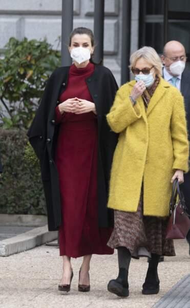 """La reine Letizia s'est rendue ce 16 février 2021 à l'exposition """"Concepción Arenal, la passion humaniste"""", à Madrid."""