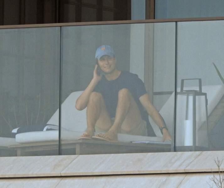 Le gendre de Donald Trump, Jared Kushner profite du transat de son appartement familial à Miami, en Floride.