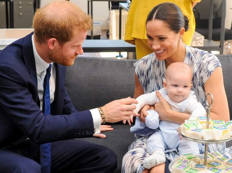 Le prince Harry et Meghan Markle avec leur fils Archie ont rencontré l'archevêque Desmond Tutu et sa femme à Cape Town, en Afrique du Sud, le 25 septembre 2019.