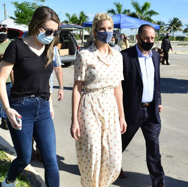 Ivanka Trump lors d'une distribution de nourriture à Miami