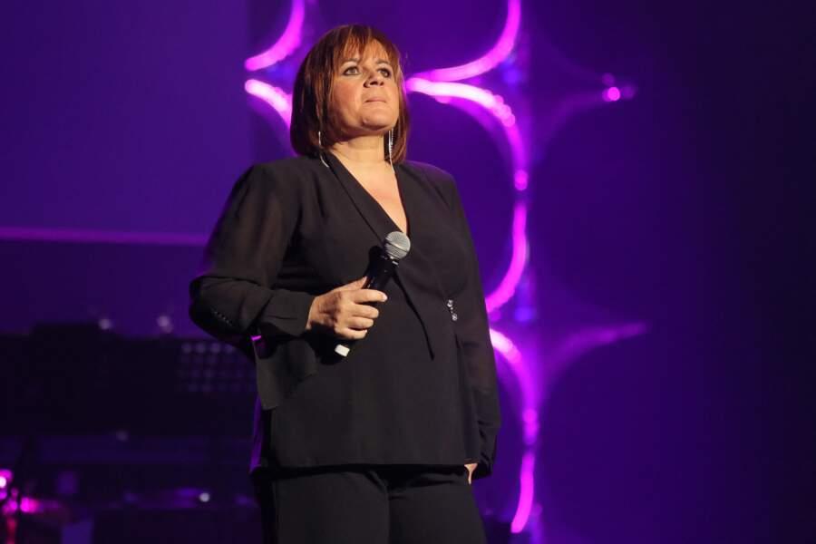 """Lisa Angell - Concert organisé à l'Olympia à l'occasion des 70 ans de l'association """"Les petits frères des pauvres"""" à Paris, le 23 mai 2016"""