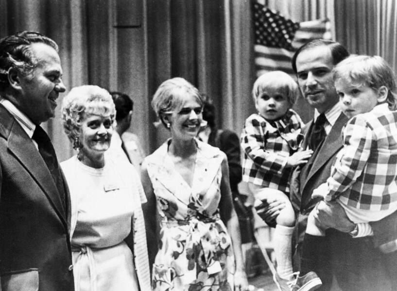 Joe Biden avec ses deux fils et Neilia, sa première épouse, en 1972