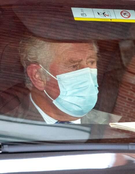 Le prince Charles submergé par l'émotion