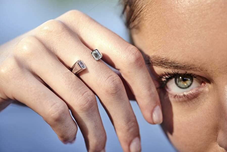 Bague Oddity, or gris et diamants de synthèse, 3850€, Dfly Paris