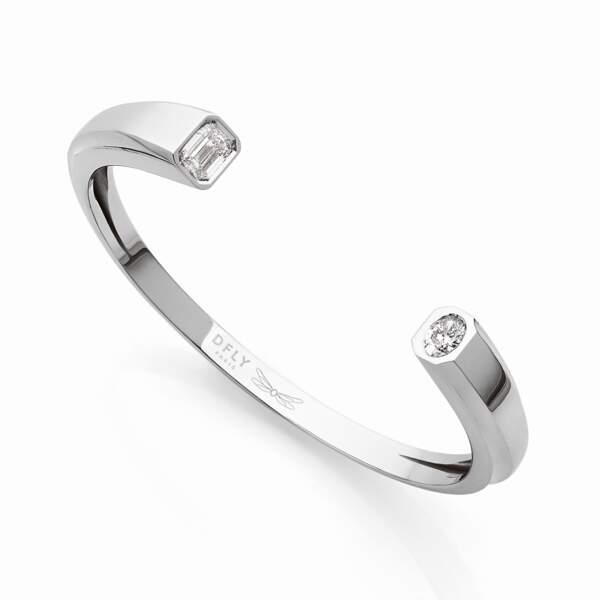 Bracelet Oddity, or gris et diamants de synthèse, 12 850€, Dfly Paris