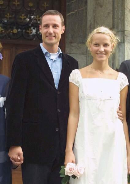Le prince Haakon de Norvège et la princesse Mette Marit à Oslo, la veille de leur mariage