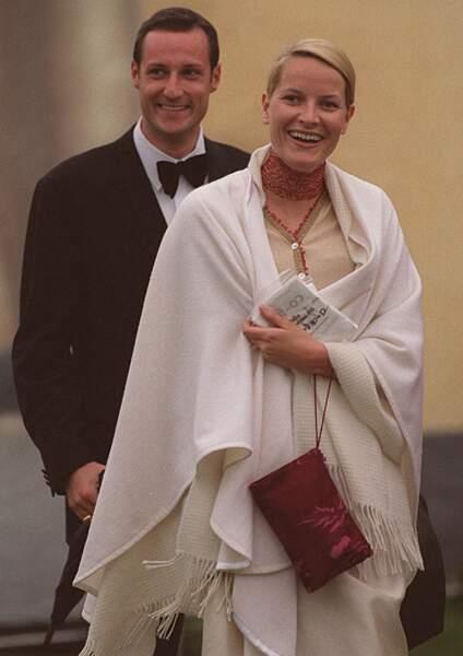 Le prince Haakon de Norvège et sa petite-amie Mette Marit le 20 juin 2001