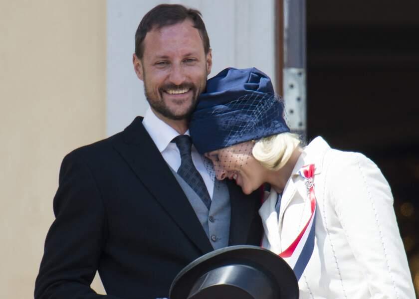 Haakon et Mette Marit de Norvège célèbrent la fête nationale le 17 mai 2012