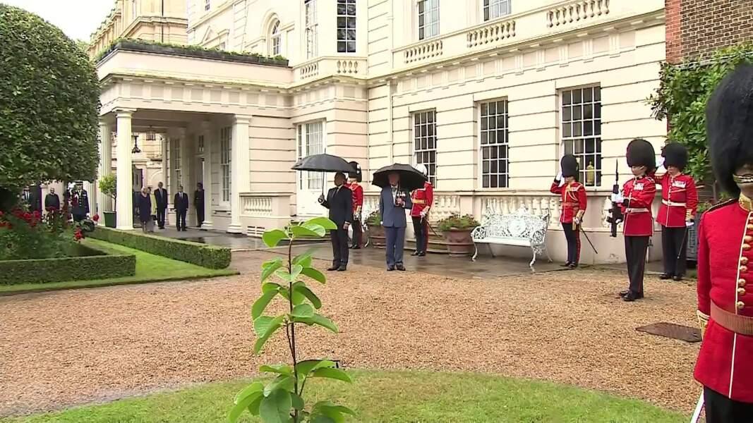 Le prince Charles reçoit Emmanuel Macron dans sa résidence royale de Clarence House