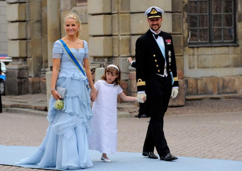 Mette Marit, Haakon de Norvège et leur fille, la princesse Ingrid Alexandra, au mariage de la princesse Victoria de Suède et de Daniel Westling à Stockholm