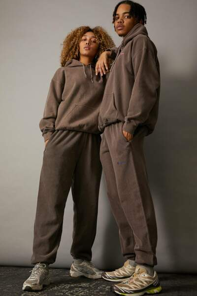 Jogging marron surteint unisexe, 49€, Urban Outfitters, Uo Exclusive