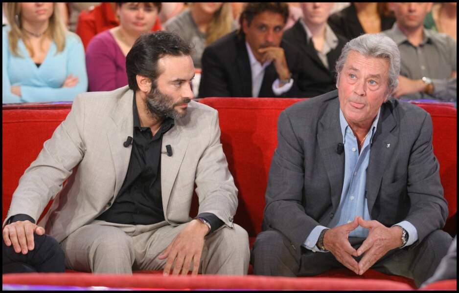 Anthony Delon et son père lors de l'enregistrement de Vivement Dimanche le 24 septembre 2008
