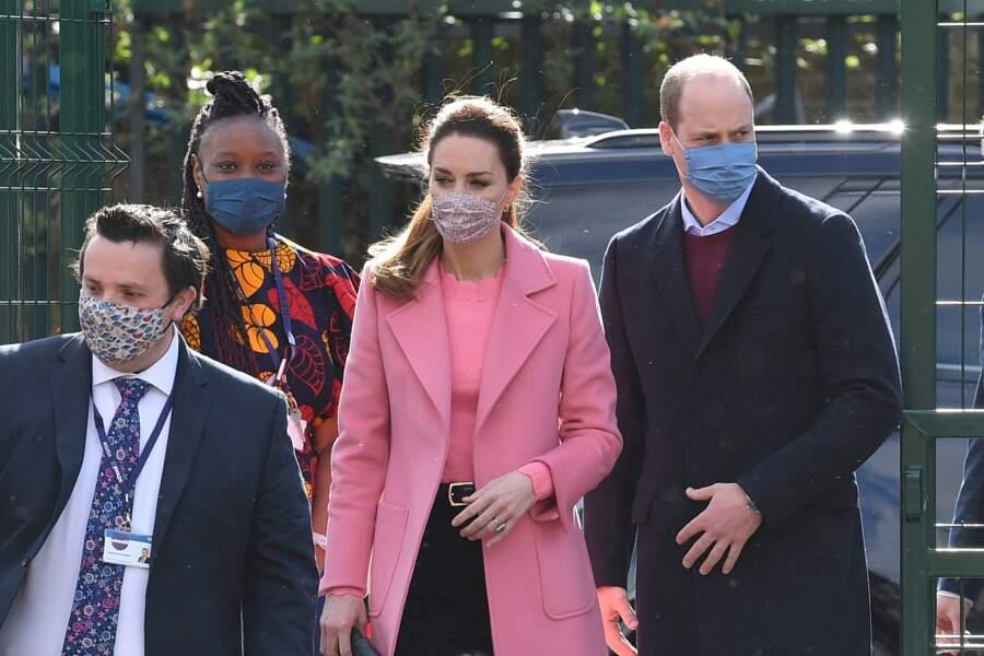 Le prince William et Kate Middleton visitent une école
