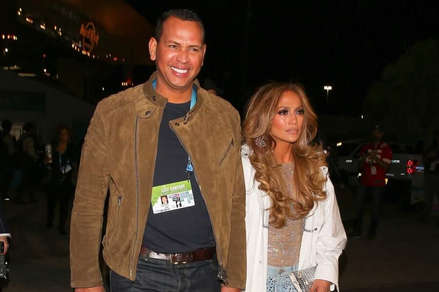 Jennifer Lopez quitte le Super Bowl 2020 après sa prestation sur scène avec Alex Rodriguez à Miami le 2 février 2020.