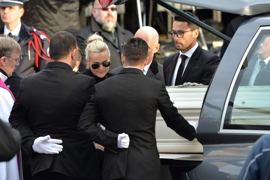 Laeticia Hallyday à l'hommage funéraire rendu à Johnny, en l'église de la Madeleine, à Paris, le 9 décembre 2017