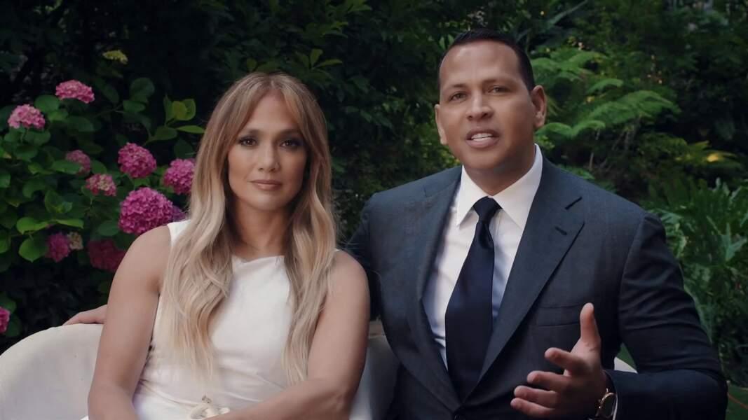 Jennifer Lopez et son fiancé Alex Rodriguez félicitent et encouragent les lauréats de la promotion 2020 à Los Angeles