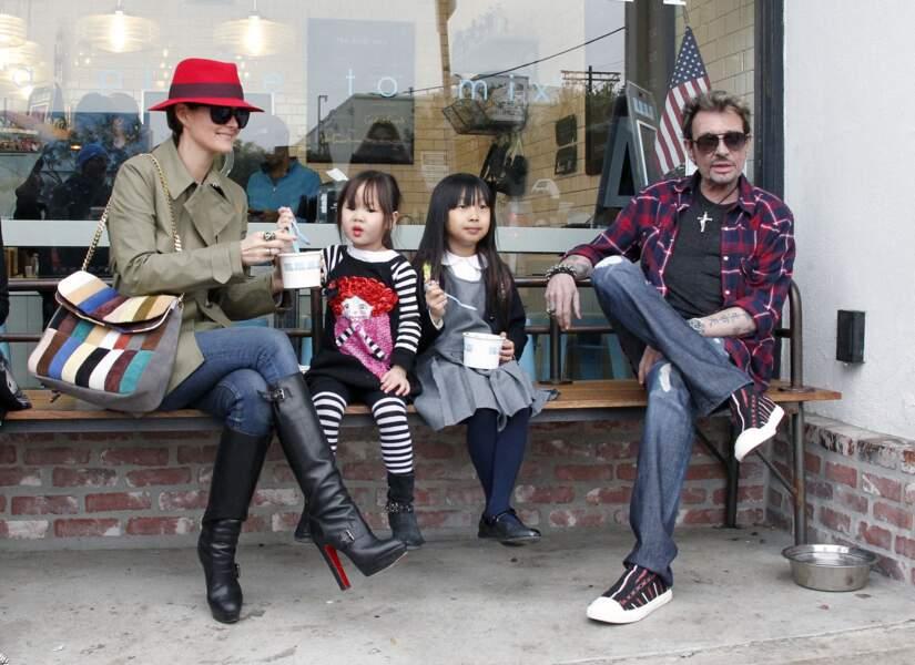 Laeticia, Johnny, Jade et Joy Hallyday, à Los Angeles, en 2012