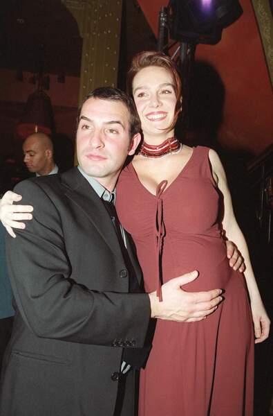 Jean Dujardin et sa femme Gaëlle Demars, enceinte, en mars 2003, au Barrio Latino à Paris