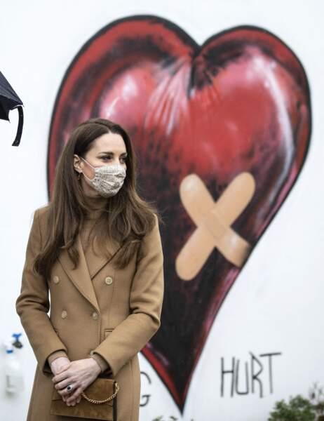 """Kate Middleton en visite à l'établissement """"Newham Ambulance Station"""" à Londres. Le 18 mars 2021"""