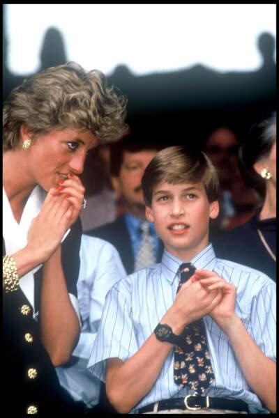 William assiste à un match de tennis