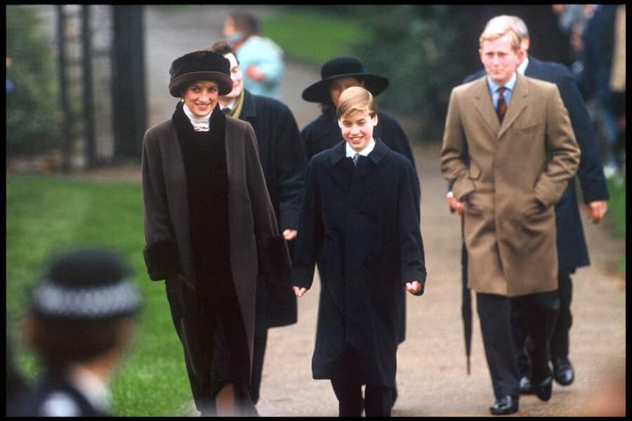 Le prince William aux côtés de sa mère, la princesse Diana