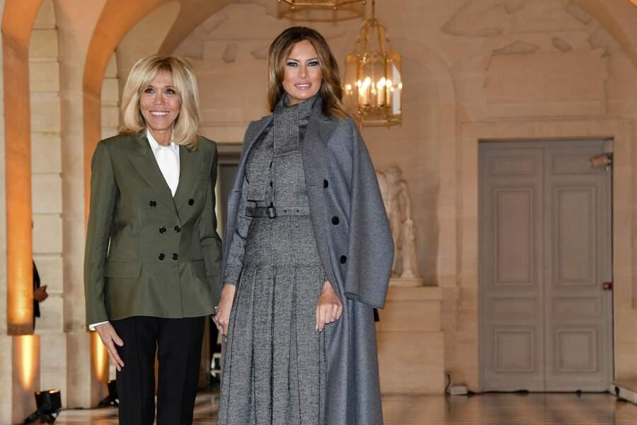Brigitte Macron et Melania Trump lors du déjeuner des conjoints de chefs d'Etat et de gouvernement présents à la cérémonie internationale du centenaire de l'armistice de 1918 au château de Versailles le 11 novembre 2018.