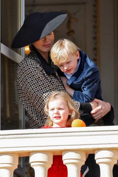 La famille princière de Monaco au balcon du palais lors de la fête nationale monégasque, à Monaco. Le 19 novembre 2018.