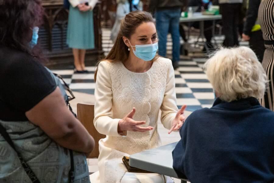 Kate Middleton lors d'une visite au centre de vaccination de l'abbaye de Westminster