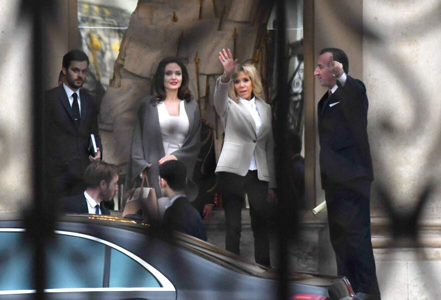 Angelina Jolie et Brigitte Macron au palais de l'Elysée à Paris le 30 janvier 2018.