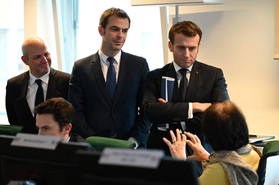 Jérôme Salomon, Olivier Véran et Emmanuel Macron à Paris le 3 mars 2020