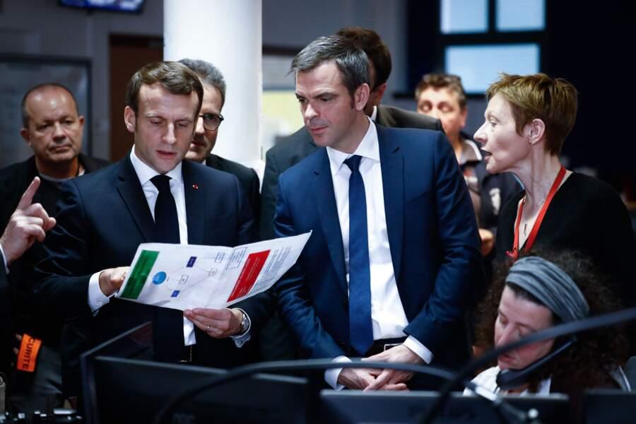 Emmanuel Macron et Olivier Veran à Paris, le 10 mars 2020