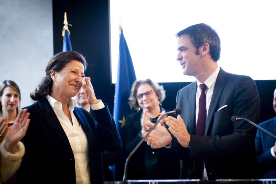 Agnès Buzyn et Olivier Véran lors de la passation de pouvoir à Paris le 17 février 2020
