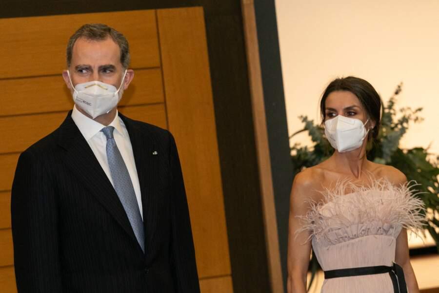 Felipe VI et la reine Letizia sont arrivés à l'hôtel Andorra Park, où ils ont été reçus par le co-prince espagnol et le directeur de cabinet d'Emmanuel Macron, Patrick Strzoda, le 25 mars 2021